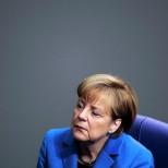 СМИ: Меркель «надоели» звонки с призывами отозвать санкции против РФ