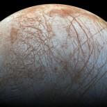 NASA опубликовало новое изображение покрытого льдом спутника Юпитера