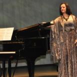 На сцене Московского театра «Геликон-опера» состоялся юбилейный вечер Алисы Гицба
